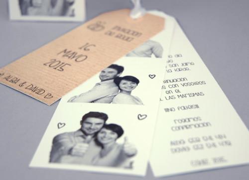 una tendencia que se est imponiendo en las de bodas son poner fotos de la pareja ya sea graciosas o forma muy particular y