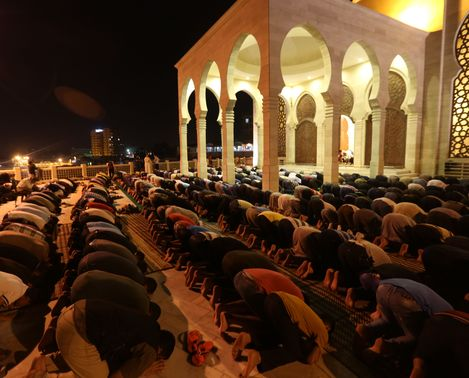 Pueblo-participa-Tarawih-Ramadan-Gaza_LNCIMA20150618_0083_27