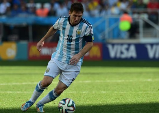 messi451556452-argentinas-forward-and-captain-lionel-messi-runs-with.jpg.CROP.promo-mediumlarge