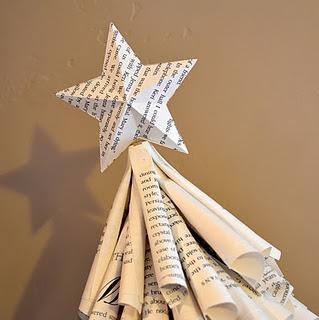 arbol-de-navidad-con-papel-libros-revistas-recicladas-reciclados-reciclar-manualidades-reciclaje-navidec3b1o-facil-barato-ahorro-hagalo-ud-mismo-tutoriales1