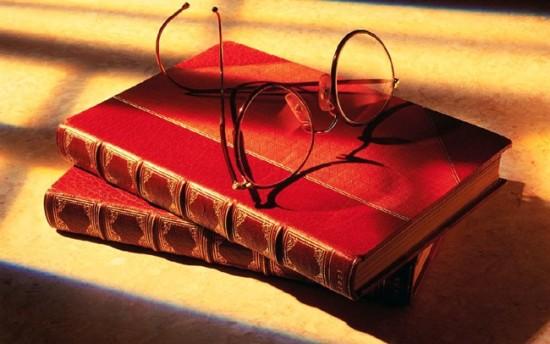 books-glasses1