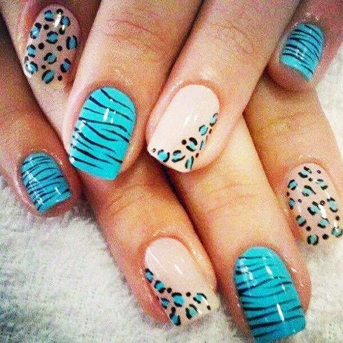 Uñas-Decoradas-Animal-Print-Azules