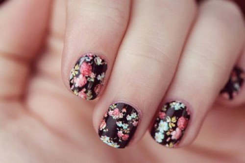 black-flowers-easy-nail-art-designs-original-size-93672-500x333