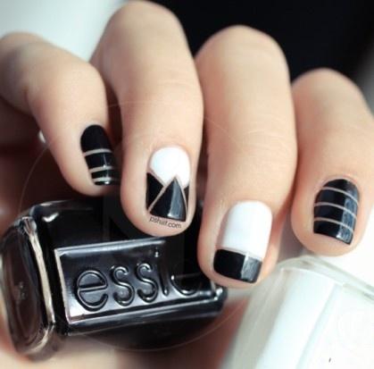 manicura_blanco_y_negro