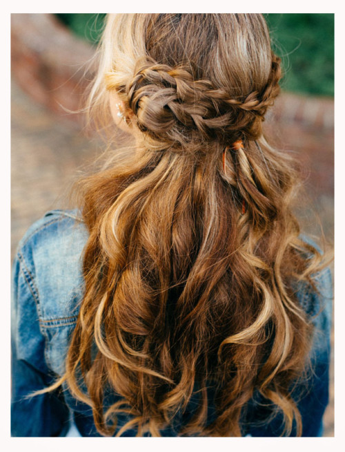 peinados-con-trenzas-y-pelo-suelto-fáciles