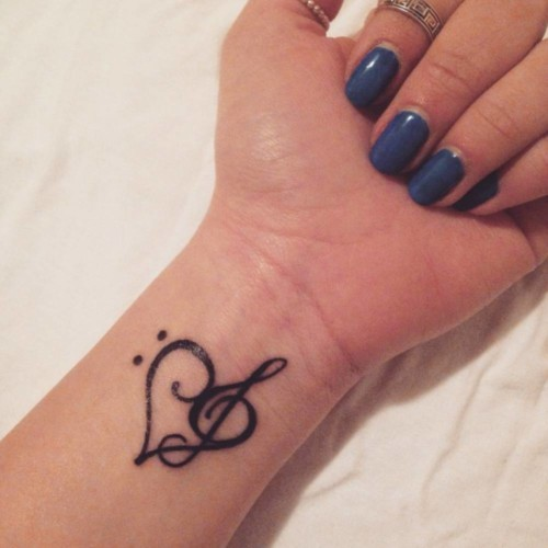 Disenos E Ideas De Tatuajes De Corazon Para Mujeres