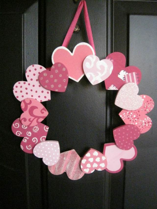 original rosca de corazones para colocar en la puerta de tu hogar - Ideas De Manualidades