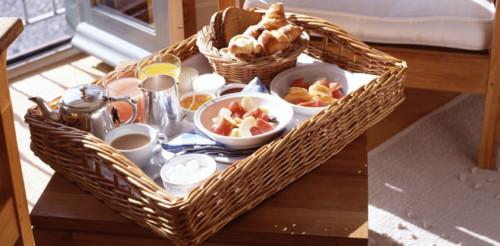 Im genes con ideas de desayunos para cumplea os y fechas especiales - Bandeja desayuno cama ...
