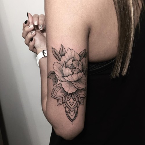 Ideas De Tatuajes Femeninos Con Mandalas