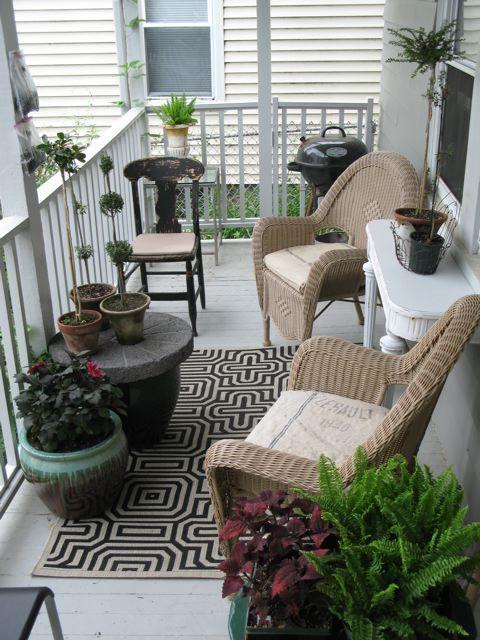 Ideas nuevas y modernas para decorar el balc n - Mesa colgante para balcon ...