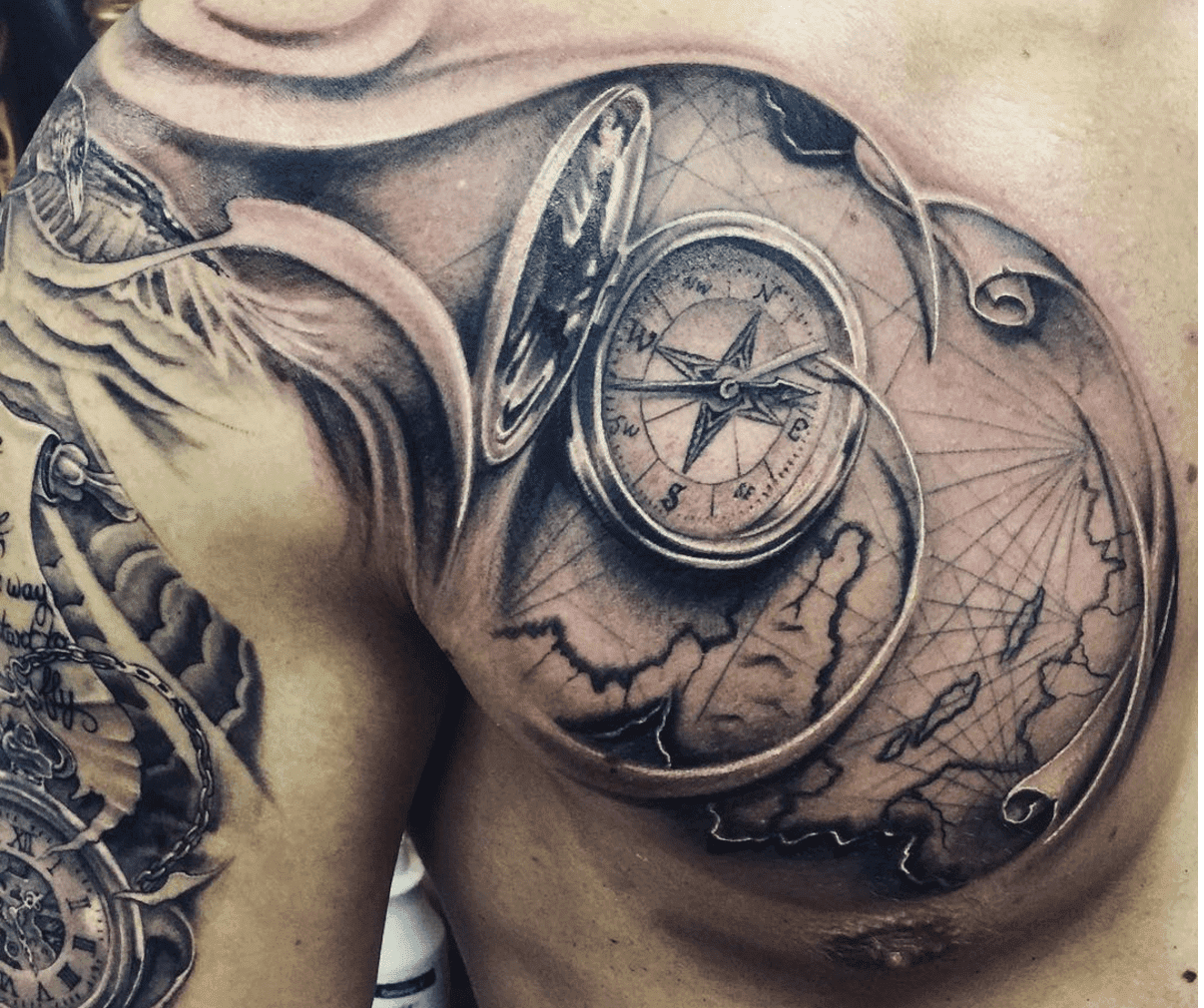 Tatuaje Brujula Hombre Pecho Sfb
